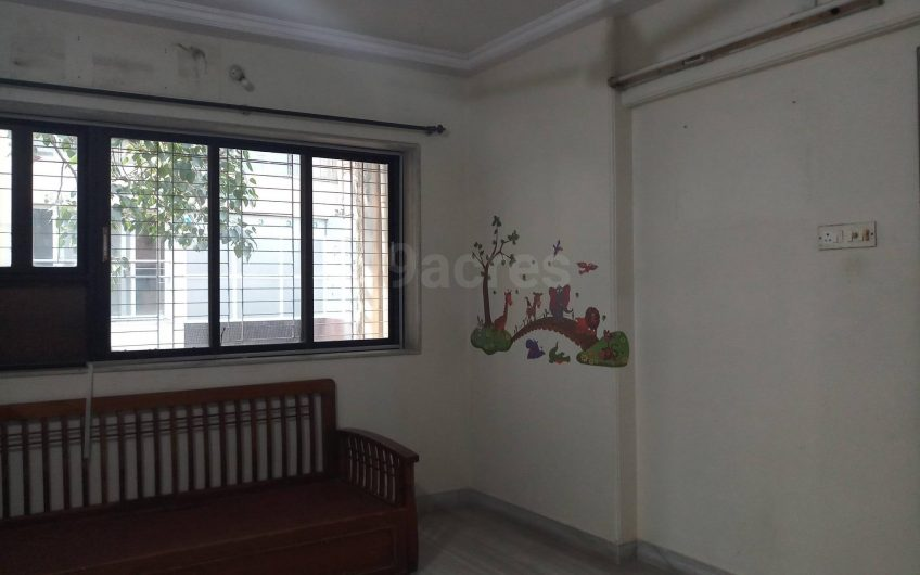 2 bhk with terrace Independent floor available for Rent In VileParle east.